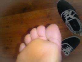 toe jam toes, sweaty feet, smelly feet, my smelly feet, smelly chef feet, smelly cook feet, plimsolls, sweaty skin toes, stinky feet