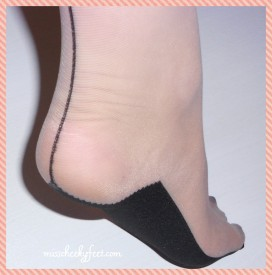 Sheer seamed stocking foot heel