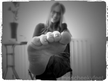 Toe Pointing B&W