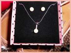 Pear necklace & earrings set